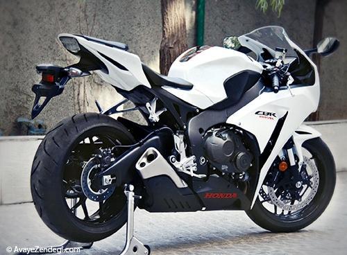 سرگروه موتورسیکلتهای ژاپنی  HONDA CBR 1000RR  2014