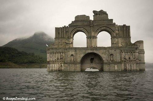 کلیسای باشکوهی که از دریاچه بیرون آمد!